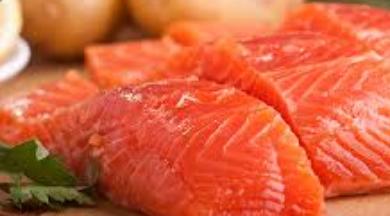 Photo of فوائد سمك السلمون لتحسين وظائف المخ والقلب
